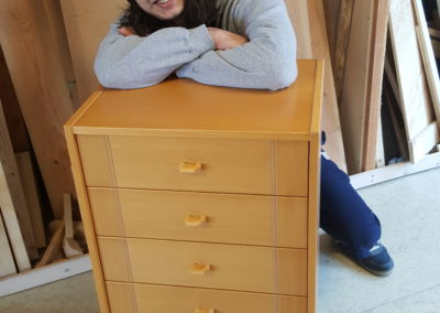 Einars skal til at ombygge møbel